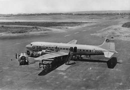 Avion D C 6 B De La T.A.I. (Transports Aériens Intercontinentaux) Au Ravitaillement - Cie T.A.I. 23 Rue De La Paix Paris - 1946-....: Ere Moderne