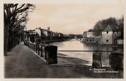 BESANCON  -   Les Quais Et Le Pont Battant  . Pas Courante - Besancon