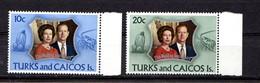 TURKS  AND  CAICOS  ISLANDS    1972    Royal  Silver  Wedding    Set  Of  2    MNH - Turks & Caicos (I. Turques Et Caïques)