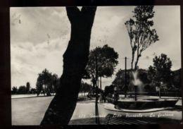 C981 VENEZIA - LIDO DI VENEZIA - LA FONTANA IN PIAZZA BUCINTORO ANIMATA B\N VG 1959 - Venezia (Venice)