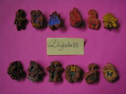 Serie Complète De 12 Fèves Allemandes En Céramique SIGNES DU ZODIAQUE 1941 - Rare ( Feve Figurine Miniature ) - Anciennes