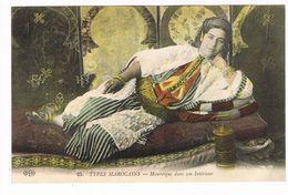 CPA.Maroc.  Mauresque Dans Son Intérieur. .   (F.481) - Tanger