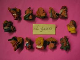 Serie Complète De 12 Fèves Allemandes En Céramique PERSONNAGES D' HOFFMANN 1942 - Rare ( Feve Figurine Miniature ) - Anciennes
