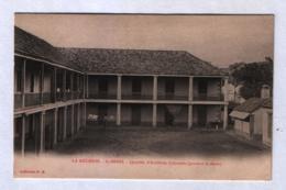 St Denis - Quartier D'artillerie Coloniale (pendant La Sieste) - Saint Denis