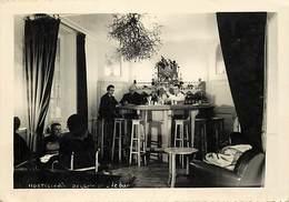 Gd Format:environ14,5cms X10 Cms -ref Y471- Hostellerie - Hotel De La Prise - Le Bar - Carte Photo - - Commerce