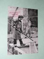 CPM, Réédition, Carte Postale, Finistère 29, Faiencerie B. HENRIOT, Lavage Et Préparation De La Terre, Animée - Quimper