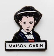 Pin's Petit Garçon Breton Maison Garin - BR3/5 - Pin's