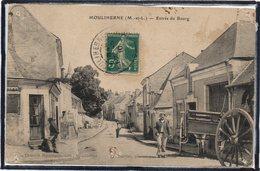 MOULIHERNE - ENTREE DU BOURG - RUE - ANIMATION - BEAU PLAN - Non Classés