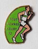 Pin's Tout Rennes Court 92 - BR3/5 - Villes