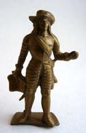 FIGURINE PUBLICITAIRE MOKAREX - LE GRAND SIECLE LOUIS XIV - LOUIS XV - CONDE Terrasse Cassée Devant - Figurines
