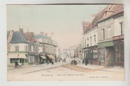 CPA LE NEUBOURG (Eure) - Rue De L'Hôtel De Ville - Le Neubourg