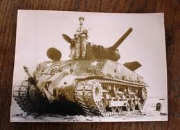 Photo De Presse - La Guerre En Corée Char Tank Américain Capturé Par Les Chinois - Documents