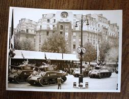 Photo De Presse - Paris Commémoration 5e Anniversaire Libération 2e DB Char Tank - Documents