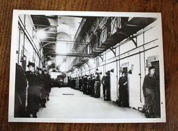 Photo De Presse - Palais De Justice De Nuremberg Prison Gardien Américain - Documents