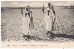 POSTAL    - SCÉNES ET TYPES   - LA PRIÈRE - Postales