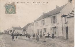CPA Etavigny - Grande Rue - Maison Gibert (avec Jolie Animation Devant épicerie, Magasin De L'éditeur) - Otros Municipios