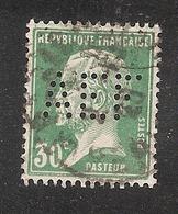 Perforé/perfin/lochung France No 174 AEF  (66) - Francia