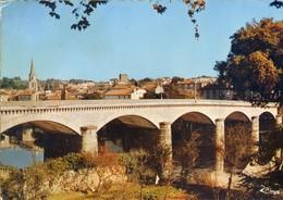 (16) CONFOLENS  (Charente)  LE PONT NEUF - Confolens