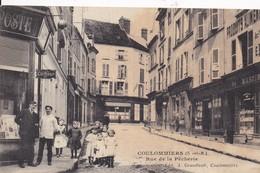 77 COULOMMIERS - Rue De La Pêcherie - TRÈS ANIMÉE, Commerces - Édit. J. GRANDTRAIT - Peu Courante - 2 Scans, Recto Verso - Coulommiers