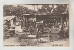 CPSM AFRIQUE OCCIDENTALE FRANCAISE (Mauritanie-Sénégal-Mali-Guinée-Cte D'Ivoire....)ETHNOGRAPHIE - Un Coin Du Marché - Mali