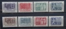 NEDERLAND  1952   Nr. 588 - 591 /  592 - 595   Spoor Van Scharnier *     CW  98,00 /  NVPH 2017 - 1949-1980 (Juliana)