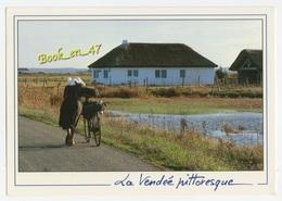 {56585} 85 Vendée Pittoresque , Dans Le Marais , Une Bourrine ; Animée - France
