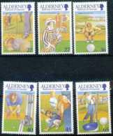 "[64018]N° 174, Club De Golf D'Aurigny, Balle ""Feathery"", Tenues De Golf Des Années 20, Le Club Dans Les Années 70 Et Bra - Alderney"