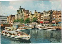 Amsterdam: BEDFORD CALV, VW 1200 KÄFER/COX, RENAULT 10, OPEL KAPITÄN - 'PHILIPS' NEON, 'Meyer's CANALBOATS - Damrak - Toerisme