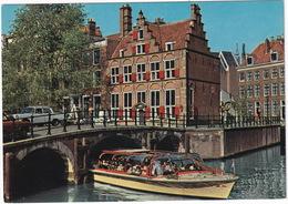 Amsterdam: MERCEDES W110 - CANALBOAT 'Albert Pieter' - Het Huis Aan De Drie Grachten - Toerisme