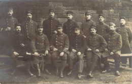 Groupe De Prisonniers De Guerre Français à Stuttgart En 1915 Cachet Militaire Allemand Stuttgart 2 - Guerra 1914-18