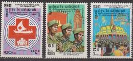 Libération Nationale - KAMPUCHEA - Croix-rouge - Soldats Et Drapeaux - Foule à La Fete - N° 436-437-438 - 1984 - Kampuchea