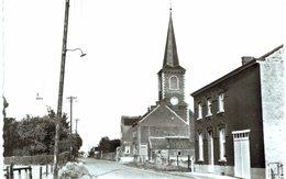 LES  ISNES   L' église Et La Rue Jennay. - La Bruyère