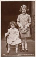 Postcard HRH Princess Elizabeth And HRh Princess Margaret Rose RP My Ref  B12945 - Royal Families