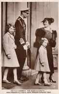 Postcard HM King George HM Queen Elizabeth HRH Princess Elizabeth And HRH Princess Margaret Rose RP My Ref  B12946 - Royal Families