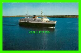 SHIP, BATEAU - MOTOR VESSEL BLUENOSE, CAR FERRY RUNNING YARMOUTH, NS  & BAR HARBOR, MAINE - - Ferries