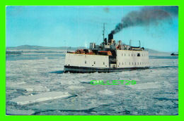 """SHIP, BATEAU - """" CITÉ DE QUÉBEC """" TRAVERSIER ENTRE QUÉBEC ET LÉVIS DANS LA GLACE - CIRCULÉE EN 1984 - EMILE KIROUAC - - Commerce"""