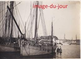 Photo Ancienne  CONCARNEAU LE PORT  BATEAU DE PÊCHE - Lieux
