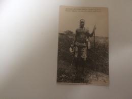 BQ - 1700 - MISSION DU TANGANIKA - Pères Blancs - Chasseur Indigène Avec L'arc Et Les Flèches Empoisonnées - Tanzanie