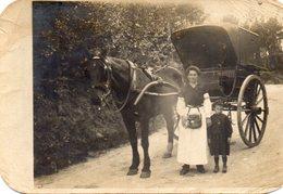 COURTHIEZY Carte Photo Femme Avec Charette à Cheval - France