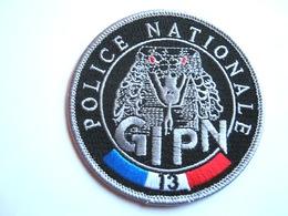 ECUSSON TISSUS PATCH POLICE NATIONALE LE GIPN DU 13 ETAT EXCELLENT - Polizia