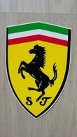 Aufkleber Mit Dem Scuderia FERRARI-Wappen - Autocollants