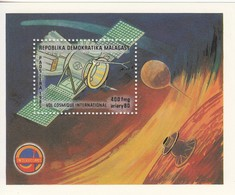 1985 Madagascar Malagasy Space Halley's Comet Probe Astronomy  Souvenir Sheet MNH - Madagascar (1960-...)