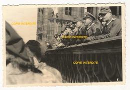 WW2 PHOTO ORIGINALE Soldat Allemand Terrasse Cathédrale De STRASBOURG ALSACE 1944 - 1939-45