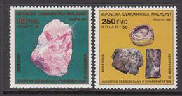 1989 Madagascar Malagasy Minerals Mineraux Complete Set Of 2 MNH - Madagascar (1960-...)