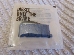 Bijou Portable Parfumé Diesel - Cartes Parfumées