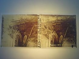 Plaque En Verre Positif , Guerre 14/18 - LES EPARGES 1916 - ENTREE D UN ABRI - Plaques De Verre