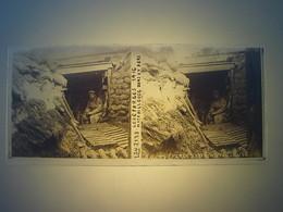 Plaque En Verre Positif , Guerre 14/18 - LES EPARGES 1916 - MITRAILLEUSE DANS UN ABRI. - Plaques De Verre