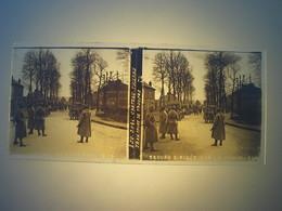 Plaque En Verre Positif , Guerre 14/18 - CHATEAU THIERRY - TRANSPORT DE TROUPES. - Plaques De Verre