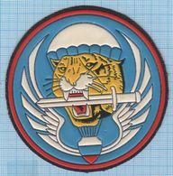 RUSSIA / Patch Abzeichen Parche Ecusson / Airborne Assault. Special Forces .Tiger. Parachute. - Blazoenen (textiel)