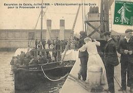 CALAIS Départ En Excursions En Bateau - Calais